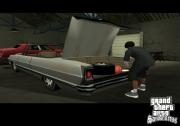 Grand Theft Auto: San Andreas: Diesmal befindet sich keine Leiche im Kofferraum. Die gehört dort sowieso nicht rein, denn im Normalfall bleiben diese auf der Straße liegen.