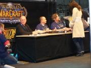 World of Warcraft: Wrath of The Lich King: Alexia Autogrammstunde beim Mitternachtsverkauf.